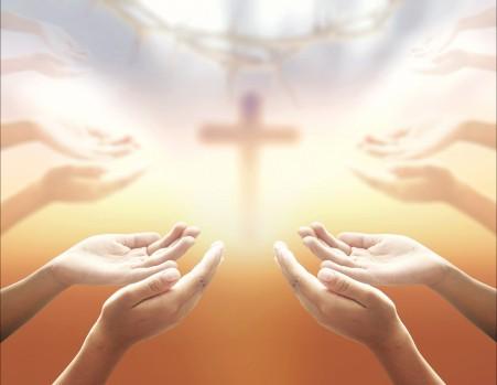 十字架与祷告手势4k图片