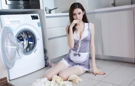 萌琪琪Irene 厨房美女 白色网袜 4k高端电脑桌面壁纸