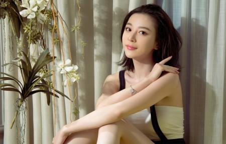 慕羽茜 背带裙美女3440x1440高端电脑桌面壁纸