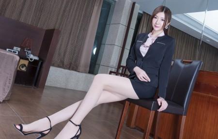 美女腿模Michelle黑色职业装4K超高清壁纸精选