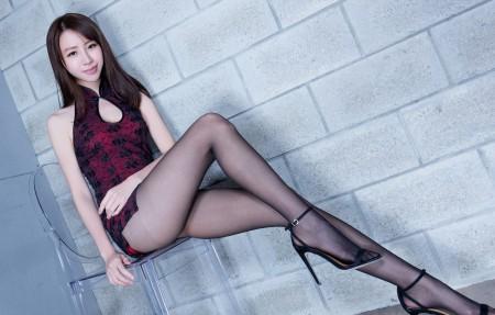 Nancy旗袍黑色丝袜美腿写真4K超高清壁纸精选