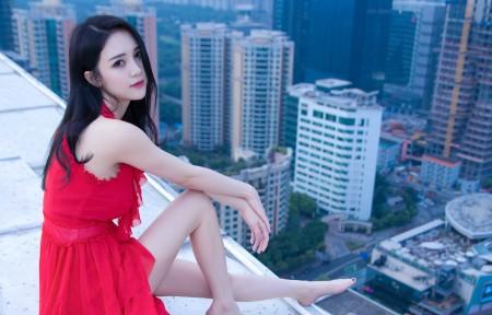 李倩倩红色礼服裙子天台写真3440x1440高端电脑桌面壁纸
