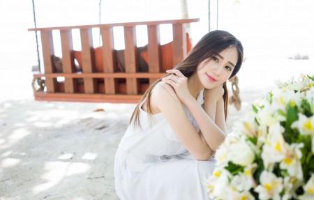 白色裙子养眼美女SISY思4K超高清壁纸精选
