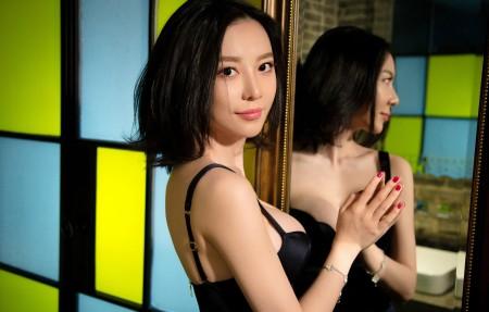 性感美女模特 黑色内衣 吊带裙美女 慕羽茜4K超高清壁纸精选3840x2160