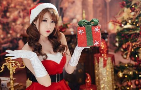 圣诞礼物可爱的女孩4k超高清壁纸推荐