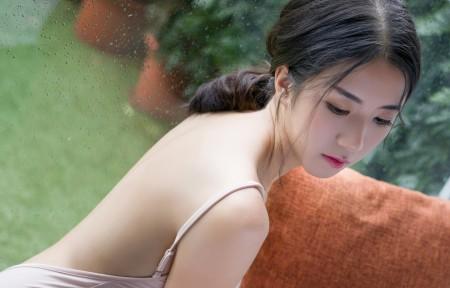 宁宁露肩美女3440x1440高端电脑桌面壁纸