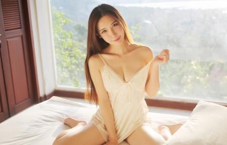 熊吖BOBO 白色睡衣长发美女4k高清壁纸极品游戏桌面精选