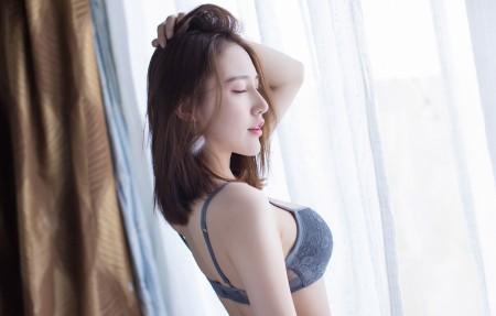 刘奕宁Lynn性感身材闭眼美女4k高端电脑桌面壁纸
