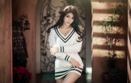 白色毛衣连衣裙美女4K高清超高清壁纸推荐3840x2160