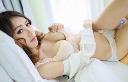 床上可爱性感内衣美女 angelxy 4K高端电脑桌面壁纸
