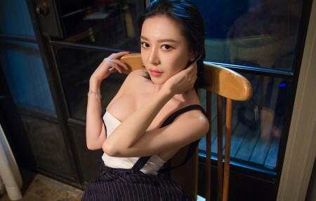 性感美女 香肩 吊带裙 慕羽茜4K超高清壁纸精选