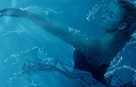 水梦幻般的 超现实的 迷幻 背景 美女4K超高清壁纸精选