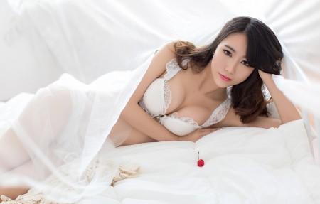 白色蕾丝 女神邓雪Sweet日系写真4K高端电脑桌面壁纸