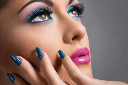 黑发 化妆女孩 美甲 美女模特 5K图片