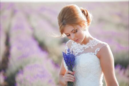 美丽的新娘 白色婚纱 薰衣草 4K美女超高清壁纸精选