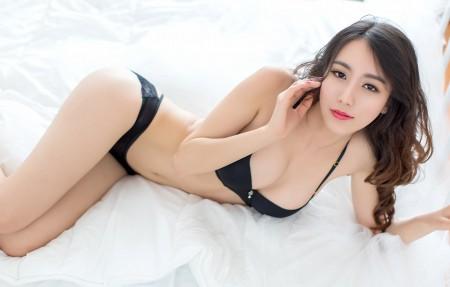 床上性感美女写真 邓雪sweet 4K超高清壁纸精选