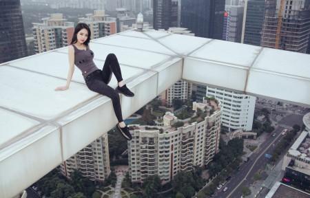 高空建筑 美女摄影 5K高端电脑桌面壁纸