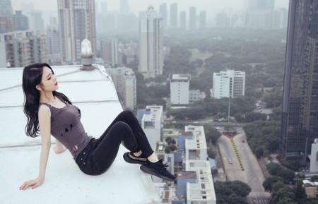 天台 屋顶 美女模特5K超高清壁纸精选