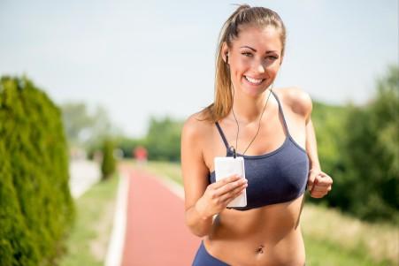 运动 健身 跑步 美女 微笑 6K高端电脑桌面壁纸