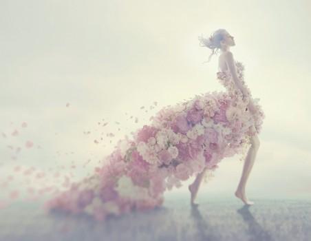 女孩 花瓣 创意裙子 艺术 4K美女超高清壁纸推荐