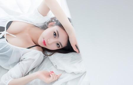 女神邓雪Sweet 4K性感美女邓雪高端电脑桌面壁纸