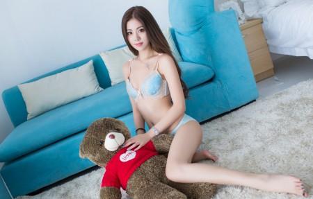 美女模特 长发 美腿 菲儿4K高端电脑桌面壁纸