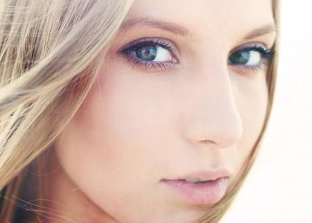 金发碧眼美女 眼睛 脸 4K高清壁纸极品游戏桌面精选