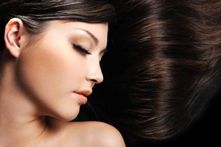 个性发型 闭眼 美女艺术4K高端电脑桌面壁纸图片