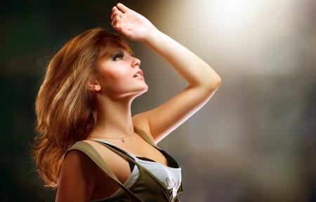 性感身材美女 手势 4K美女高端电脑桌面壁纸