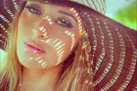 女孩美丽的金发帽子5K美女高端电脑桌面壁纸