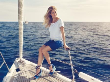 大海,船,美丽的女孩4K摄影图片