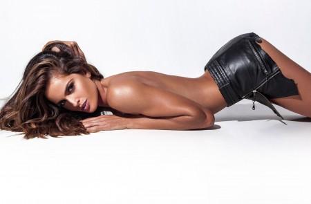 性感美女 模特 裸背 翘臀美女4K高清壁纸极品游戏桌面精选