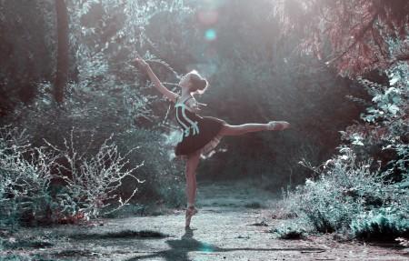 芭蕾舞的姿势 女孩 双腿 跳舞 美丽 女人 5K美女超高清壁纸精选