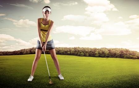 打高尔夫的美女5K图片