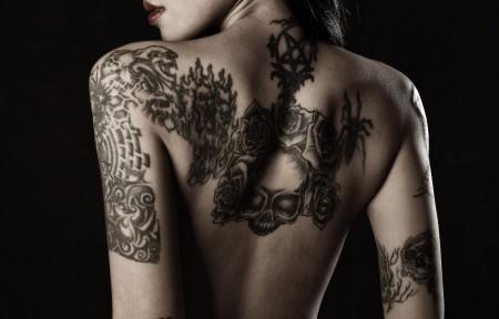 女孩 背 纹身 性感美女4K高端电脑桌面壁纸