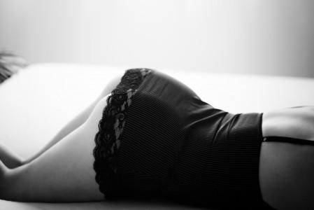 女模特 睡衣 性感 屁股 床上 5k图片