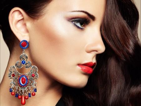 耳环 化妆品 绿眼睛美女4k图片