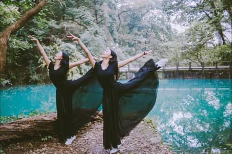 美女舞蹈 杜雪琪赵冰晶 4K图片高清壁纸极品游戏桌面精选