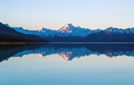 美丽雪山湖泊风景4k高端电脑桌面壁纸3840x2160