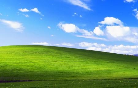 蓝天白云绿草地 Bliss 4096x2160风景4k高端电脑桌面壁纸