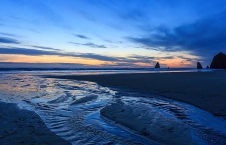 夜晚海滩沙子上的痕迹3440x1440带鱼屏高端电脑桌面壁纸