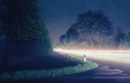灰色道路的近景5k风景图片