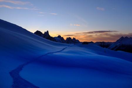 雪,小路,山,天空,4k风景高端电脑桌面壁纸