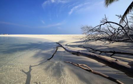 艾布度岛沙滩4k风景高端电脑桌面壁纸