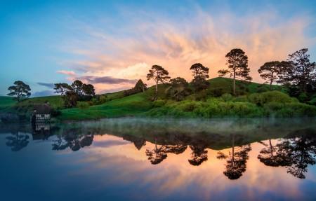 新西兰美丽迷人湖泊山脉4k风景高端电脑桌面壁纸