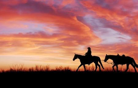 骑马的女孩 黄昏 夕阳3440x1440风景高端电脑桌面壁纸
