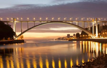 晚上桥灯光美丽风景4k高端电脑桌面壁纸