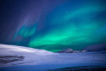 美丽的星空 北半球极光 5K风景图片高端电脑桌面壁纸