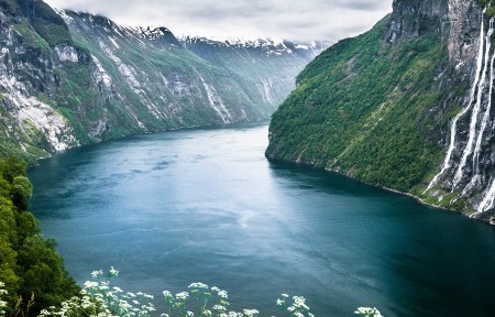 挪威盖朗厄尔峡湾风景3440x1440高端电脑桌面壁纸