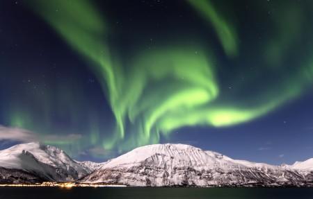 挪威星空极光风景4k高端电脑桌面壁纸